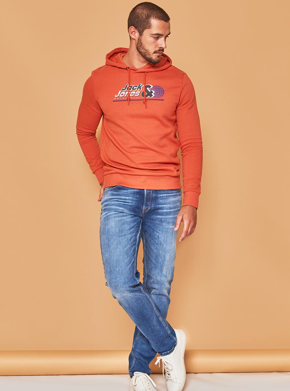 Jack & Jones pulover 29,99 €  Jack & Jones jeans 69,99 €
