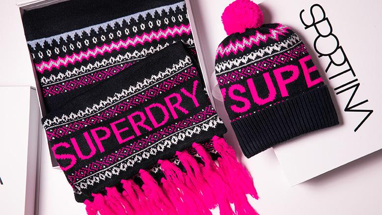 Superdry kapa: 29,99 €; Superdry šal 49,99 €;