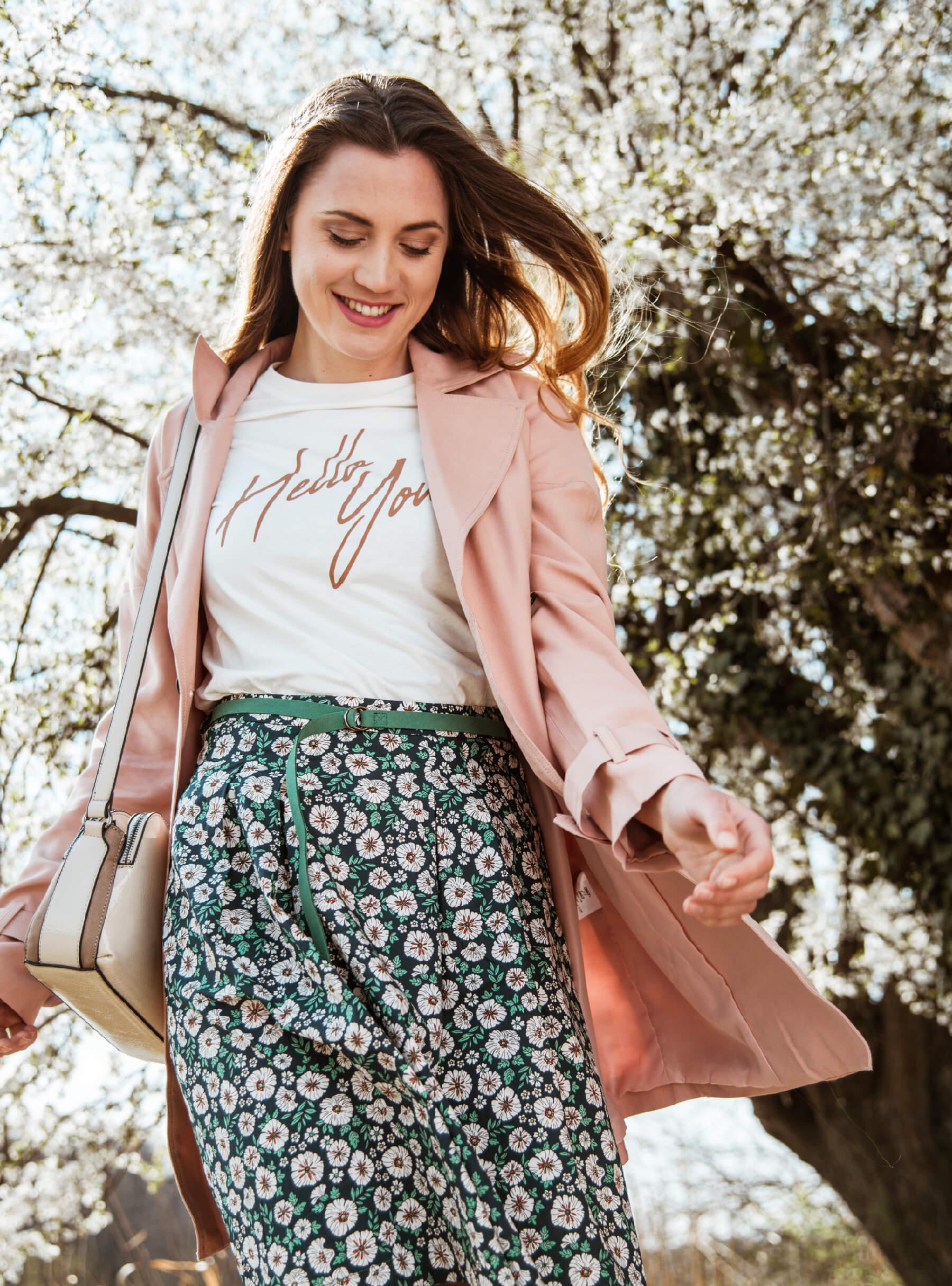 Majica Vero Moda1,799rsd Suknja Esprit7,999rsd  Torbica Parfois3,799rsd